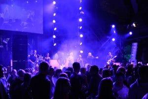 DJ Vince Plus Partyband, Liveband mit DJ, DJ + Partyband, Düsseldorf, Köln, NRW, Bonn, Frankfurt, Hamburg, Messe, Event, Sportveranstaltung, Hochzeitsfeier, buchen