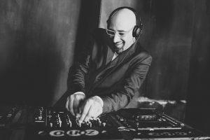 Hochzeits DJ, DJ für Hochzeit aus Düsseldorf, DJ Vince, Lounge-DJ, Chart-, Club-DJ, Düsseldorf, Köln