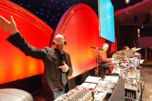 Party DJ München, Hamburg, Berlin, DJ für Party, NRW, Düsseldorf, Köln, buchen, Messe, Event, Gala, Sommerfest, Hochzeit, Sportveranstaltung, Feier