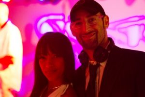 DJ-Düsseldorf-Köln-NRW-DJ-Vince-Party-DJ-Hochzeits-DJ-DJ-Plus-Lounge-DJ-Club-DJ-DJ-Plus-Sängerin-aus-Düsseldorf-Köln-NRW-für-Hochzeiten-Premium-Vocal-Act-Neuss-Mettmann-Essen-Dortmund-Bonn-buchen