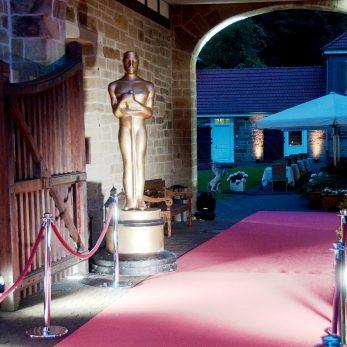 Der Oskar im Eingang: Dekoration für Events