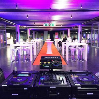 DJ Vince Backline bei Messe-Event