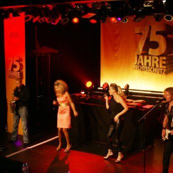 DJ-Vince Live mit Musikern bei Jubiläumsparty