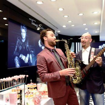 Thomas Sabo & DJ Vince mit Instrumenten