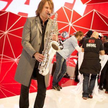 DJ mit Saxophon