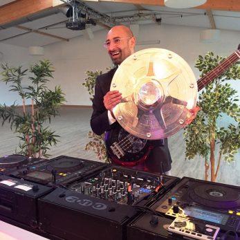 DJ Vi nce bei Aufstiegsfeier von Fortuna Düsseldorf