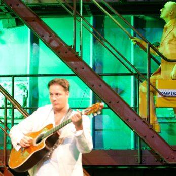 Gitarren-Act bei Messe-Event