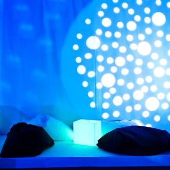 LED Möbel in Blau und Weiß