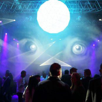 Veranstaltungstechnik mit Licht- und Lase-Show