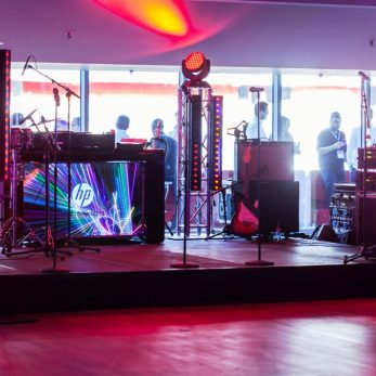 Veranstaltungstechnik und Live-Bühne